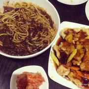 Mỳ tương đen + Thịt lợn sốt chua ngọt