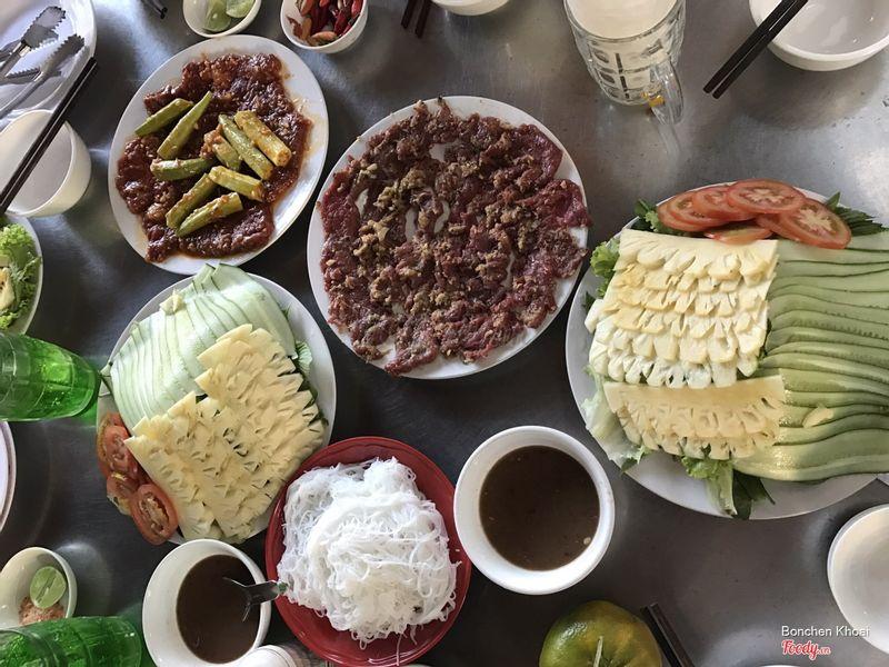 Bò nướng vỉ, bò muối ớt và rau bánh tráng