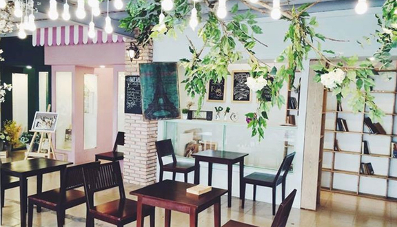 Rue Of Chic Cafe Phim Trường