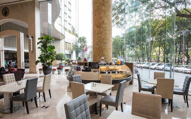 The Lounge - New World Saigon Hotel