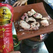 thịt thăng heo nướng sốt BBQ
