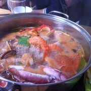 Lẩu hải sản/ngao, mực, tôm, cá, ghẹ