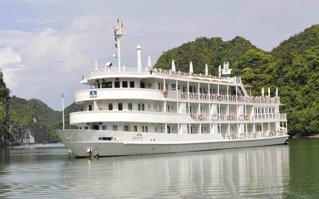 The Au Co Cruises - Tuần Châu