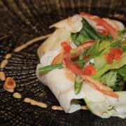 bạch tuột với rau hữu cơ, trứng cá hồi, đậu cove & sốt quả phỉ