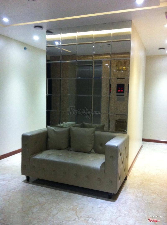 Chỗ chờ thang máy mỗi tầng
