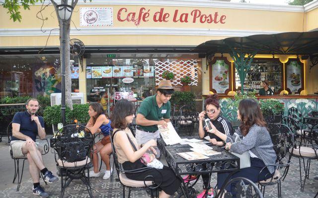 Café De La Poste - Công Xã Paris