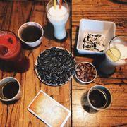 Ngõ nhỏ quán nhỏ, cafe ở đó