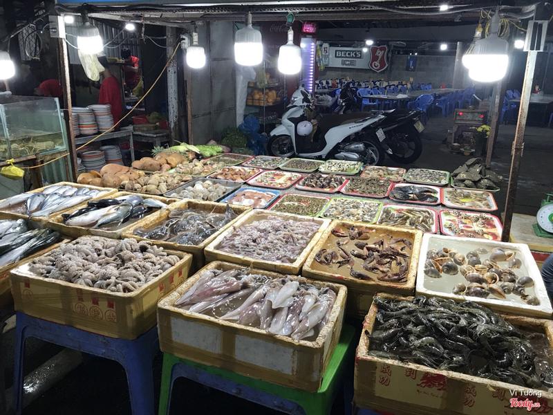 Quầy hải sản xôm nhất nhì khu chợ