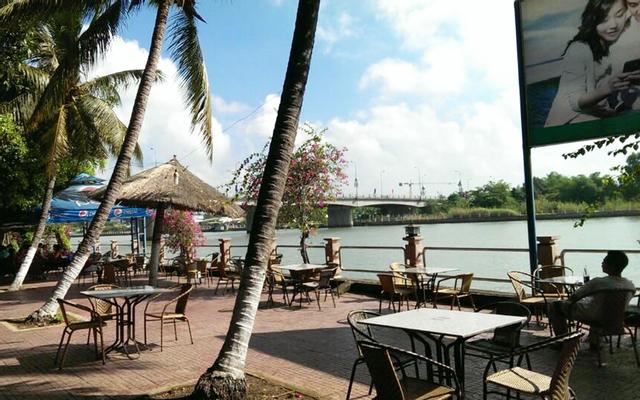 Hồ Sen Cafe - Bờ Sông