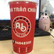 #AloTrà  Thương hiệu trà sữa có thể gọi là đầu tiên của Việt Nam thành công vì có thâm niên trên thi trường gần 20 năm và vẫn còn tồn tại tới bây giờ ( năm 2003 học lớp 9 , lớp 10 đã thấy có mặt ở SG) ...  Là thương hiệu có món Trà Sữa Khoai Môn và Lục Trà Sủi Bọt ngon nhất từ trước đến giờ, ngay cả bây giờ thương hiệu Ten Ren của Đài Loan cũng ko bằng nha (theo cảm nhận của Tui) ... Là thức uống trẻ trâu được Crush năm lớp 9 mua cho uống và ghiền tới giờ ... Lâu rồi uống lại vị vẫn y như cũ ko hề khác đi nha ... ☺️