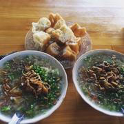 Ngon chiều nào cũng từ trường dh Thủ Dầu Một qua đây ăn hết , mới 4h thôi mà khách tới mua đông như kiến