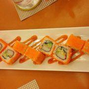 Sushi cuốn trứng cá hồi