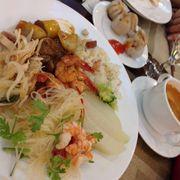 Vào Vinpearland Phú Quốc và hoa mắt với các món buffet nơi đây. Thật sự rất ngon và nhiều a ))))