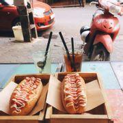 Hotdog & trà đào & nước nha đam
