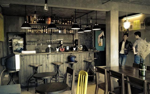 Woody Classic Bar