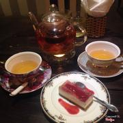Raspberry Hibi Tea & Raspberry Cheese Cake