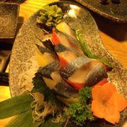 sashimi cá trích ép trứng