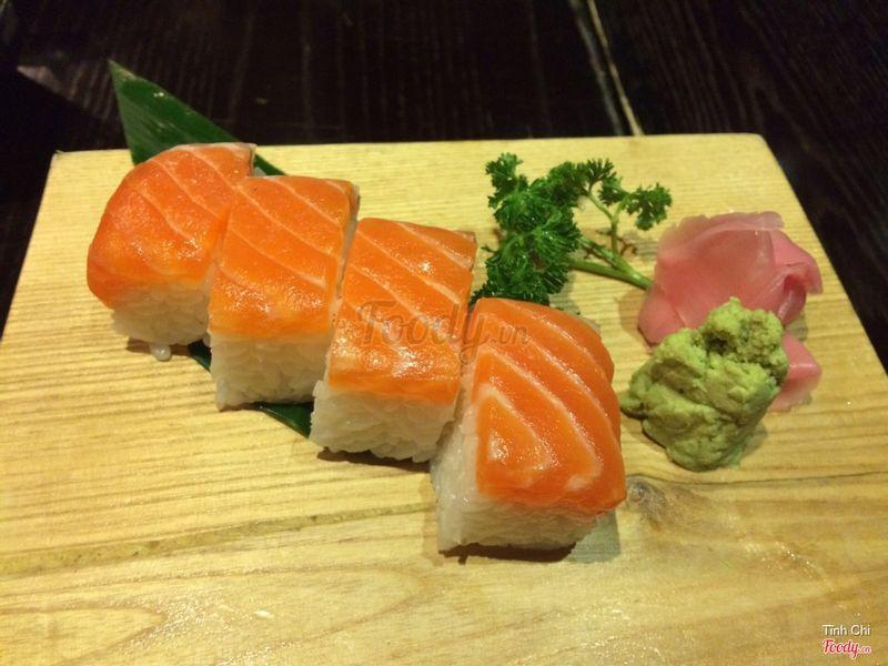 Cá hồi sushi