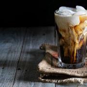 Cà phê ý lắc hạt dẻ