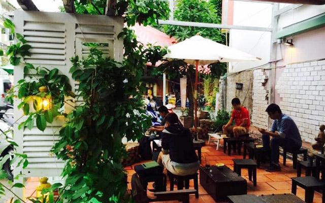 Không Tên Cafe - Hoa Phượng