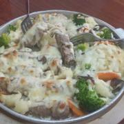 Món mới tại Pizza family, Ba chỉ bò Mỹ cuộn nấm phủ Phomai bỏ lò, quá ngon mà 1 chảo này chỉ 99k :D