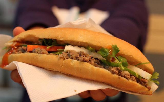 Xôi, Bánh Mì & Đồ Ăn Vặt - Ngọa Long