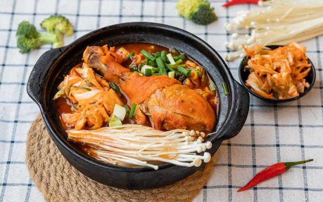 Hot Hot - Mì Cay 7 Cấp Độ - Trần Cao Vân