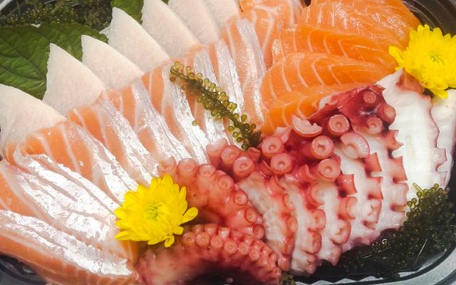 Salmon Sushi - Đường Số 17