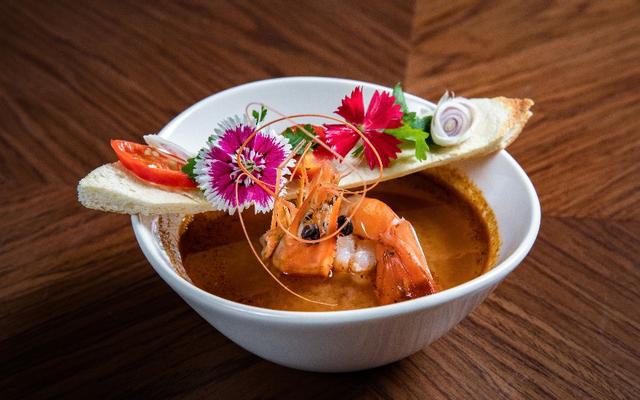 Treat Restaurant  - Soup & Noodles - Đặng Thai Mai