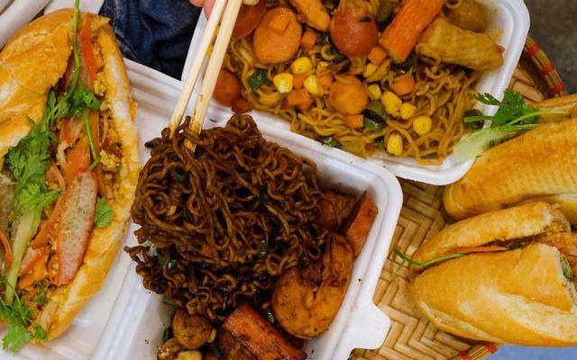 Bánh Mì Qua Đêm & Mì Indomie - Ngõ Quỳnh