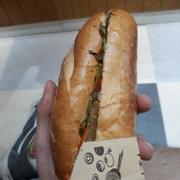 Bánh mì thịt nướng size vừa: 25k