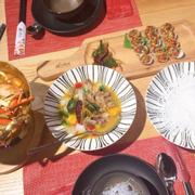 Đồ ăn hơi rất ngon luôn nha 🤗 cho 10₫ . Không gian rộng rãi ,thoáng mát. Bên cạnh đó nhân viên phục vụ tận tình 😍