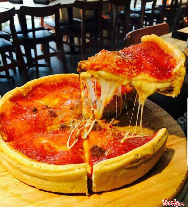 Pizza hải sản nhồi phô mai