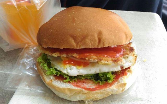 TaKu - Hamburger & Cơm Văn Phòng - Bưng Ông Thoàn