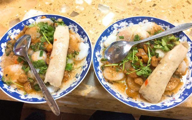 Thùy Linh - Bánh Bèo Huế - Chợ Nguyễn Văn Trỗi