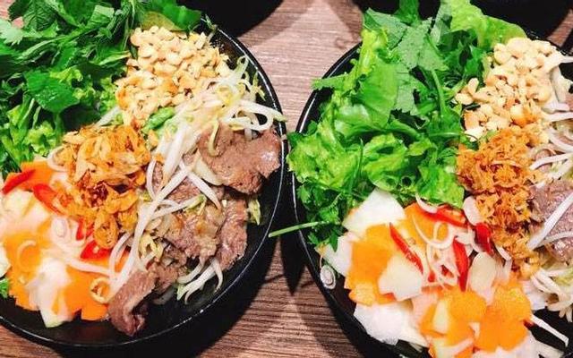 Hoàng Huệ - Cơm Rang & Bún Bò Trộn - Ngõ 4 Ao Sen