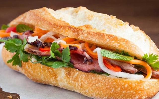 Tiệm Bánh Mì Phấn - Hải Thượng Lãn Ông