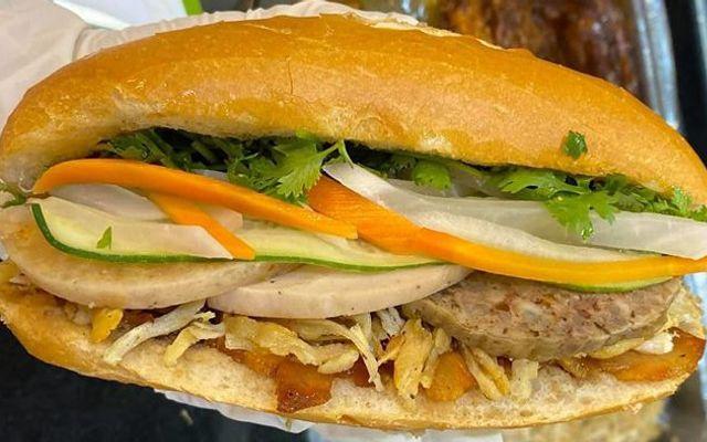 Bamica - Bánh Mì Pate Cay