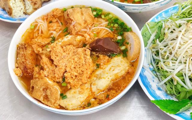 Trinh - Bún Riêu Cua - Trần Quang Khải