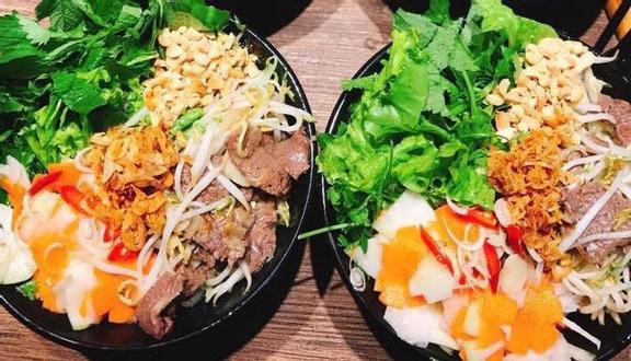 Hoàng Huệ - Cơm Rang & Bún Bò Trộn - Trường Chinh