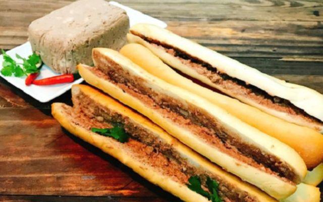 Linh Su - Bánh Mì Que Đà Nẵng