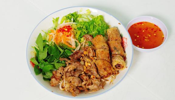 Bếp Má Thắm - Bún Thịt Xào & Bún Chả Giò - Trần Minh Sơn