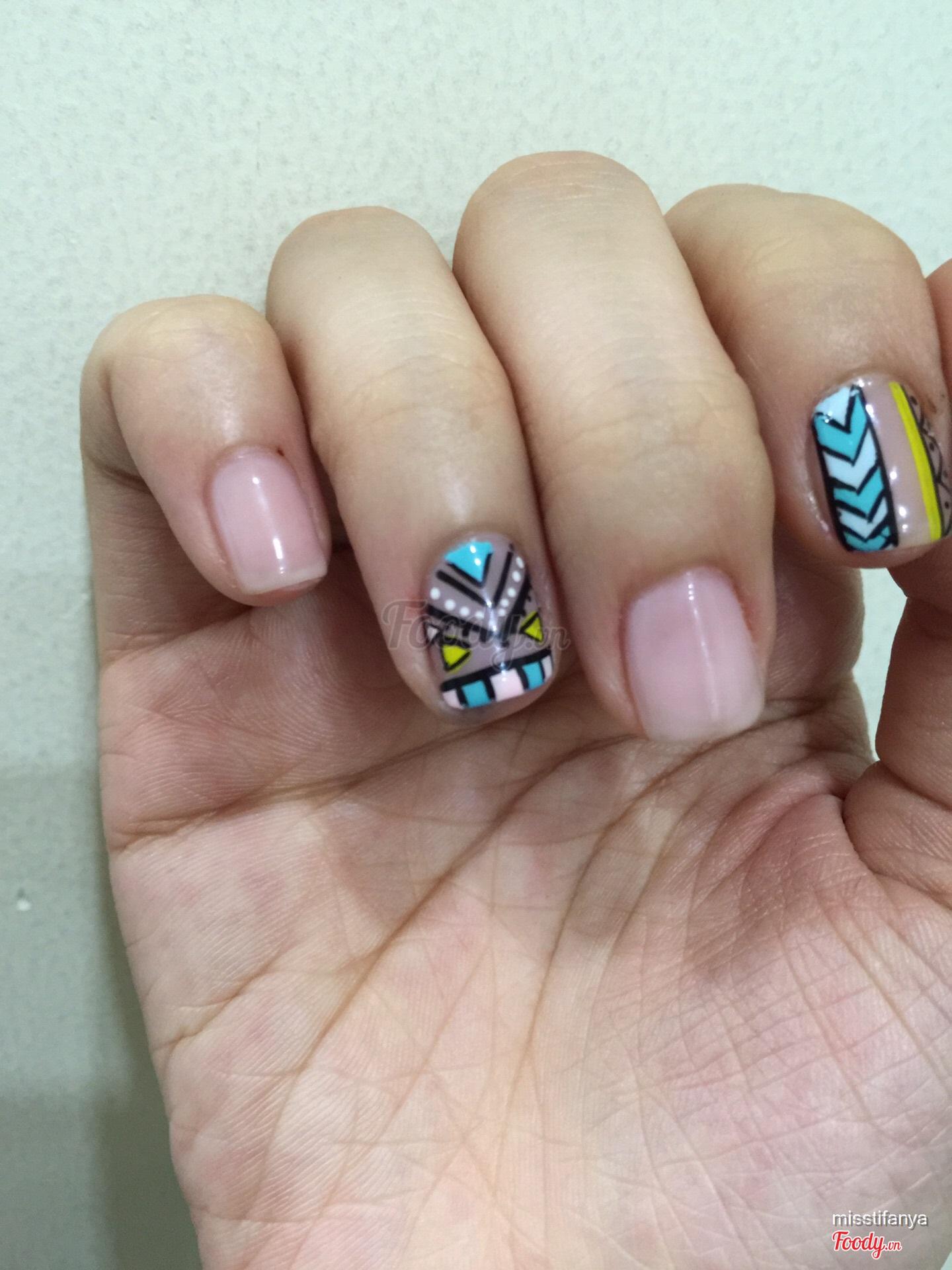 Perfect Kelly Pang Nails Festooning - Nail Paint Ideas ...