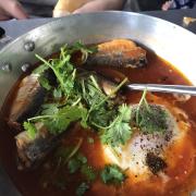 Trứng + cá hộp