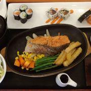 Set lunch cá hồi teriyaki 159k