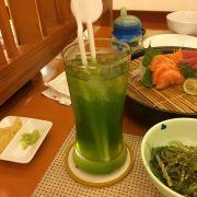 Nước rau xanh và trái cây