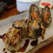 Cuốn cá hồi chiên tempura 67k
