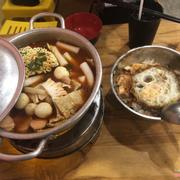 Lẩu Tok và cơm trộn