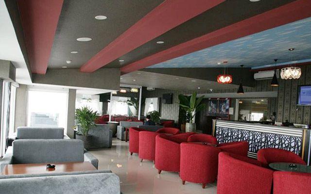 Sky 17 Cafe & Restaurant
