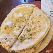 Bánh mỳ bơ tỏi (garlic nan)